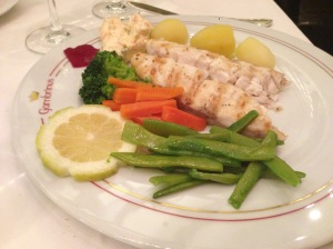 Grilled sea bream with tartare sauce and vegetables