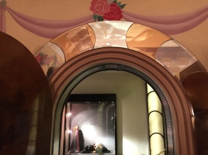 entrance to ladies room