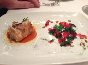 White tuna with garlic petals of different colours