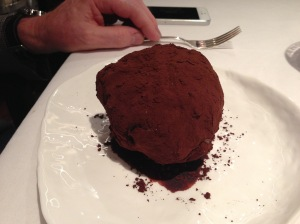 Super truffle: Cocoa and sugar truffle with chocolate and carob core
