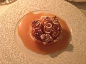 Apple tart on caramel sauce