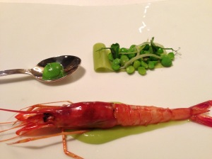 red prawn with peas and their cream