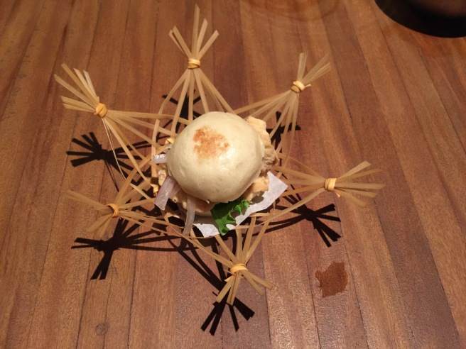 Paiche sandwich: Steamed bun, crispy paiche, lulo criolla