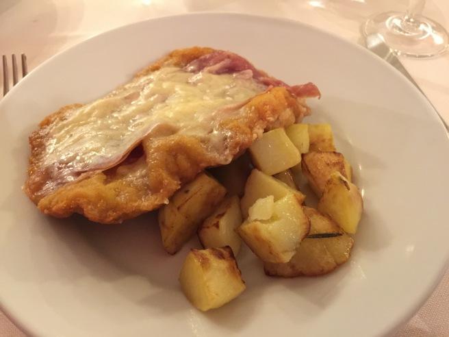 Cotoletta (Bolognese) di vitello con patate