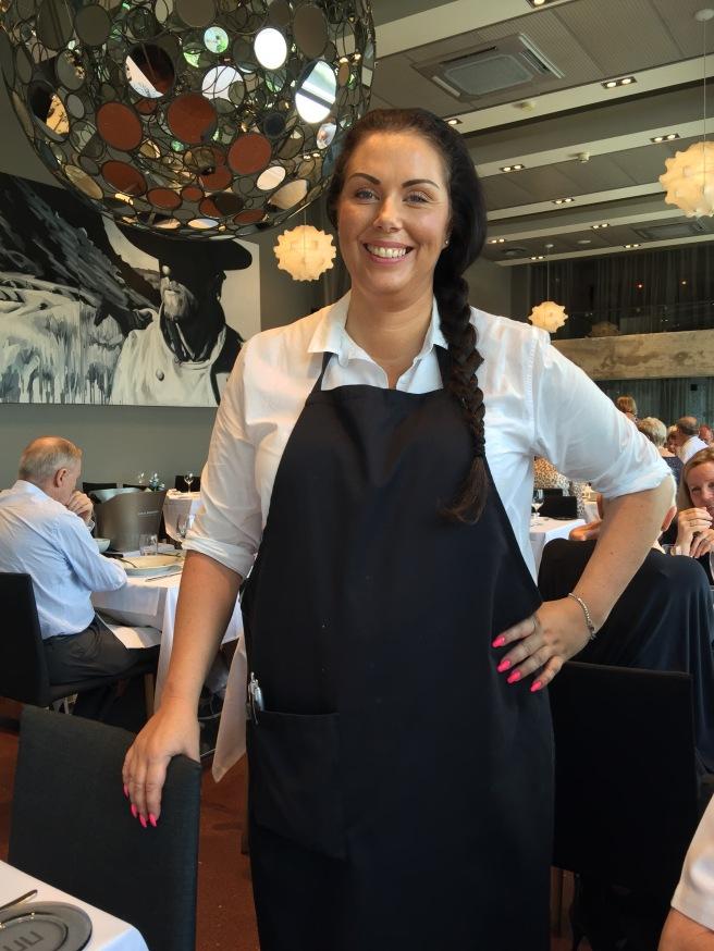 nice waitress, Emelie