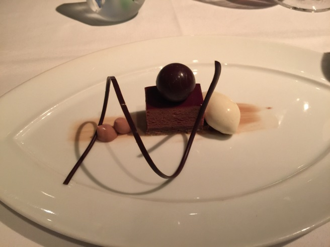 Chocolate Nutella Crunch: Hazelnut praline, toated barley ice cream