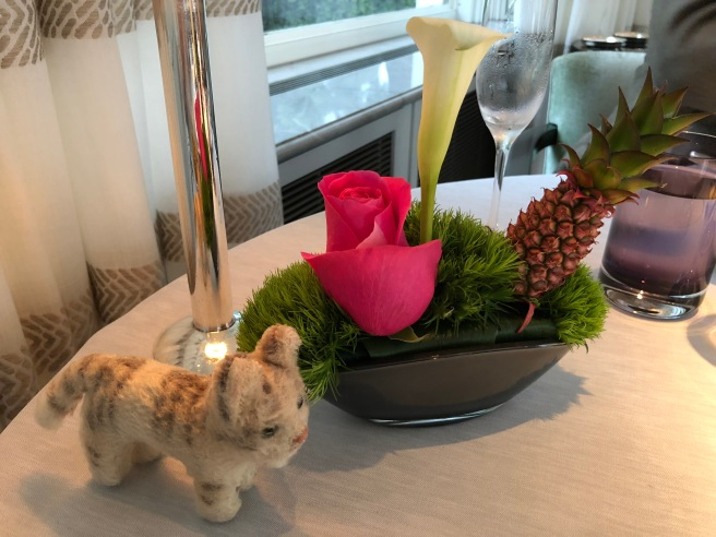 Frankie and the table decoration