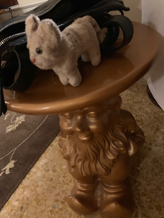 Frankie and the gnome purse stool